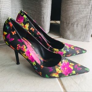 BCBGrils black and floral stiletto